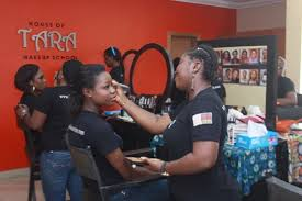 Makeup Schools in Lagos: The Top 10